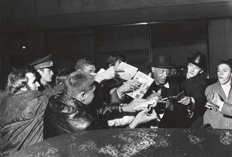 p. 399, Avec des fans moscovites en 1971, X, Coll. Christian Bonnet