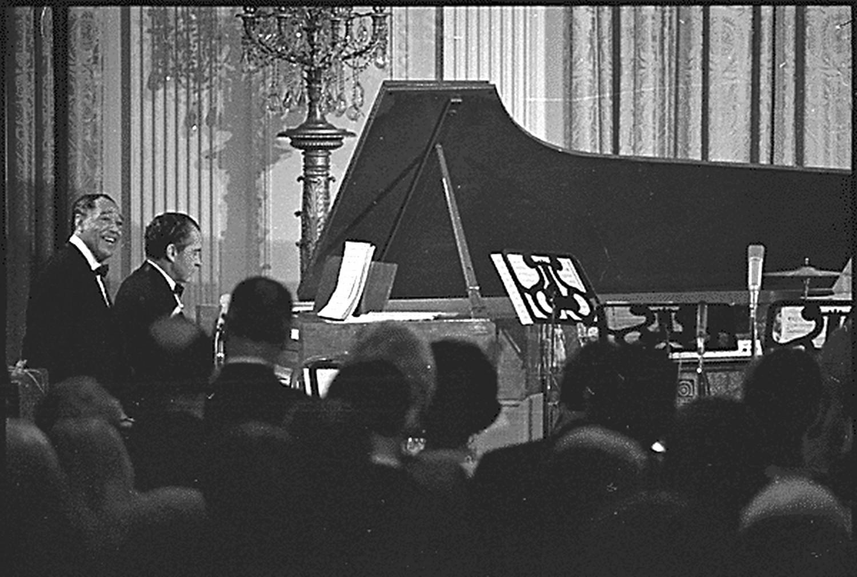 p. 473, Quatre mains avec le président Nixon, mêmes lieu et date, X, Coll. Christian Bonnet