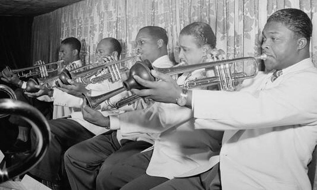 p. 199, La section de trompettes, 1946 : Taft Jordan, Shelton Hemphill, Francis Williams, Ray Nance et Cat Anderson, William Gottlieb