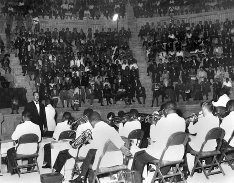 p. 331, Concert à Amman, Jordanie, septembre 1963, X, Coll. Christian Bonnet