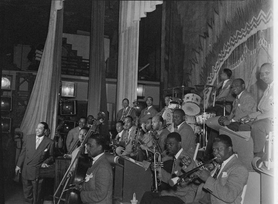 gottlieb_DE Nance Nanton Hodges Webster Hardwick Carney Rex Tizol Brown Guy Greer_Howard Theater, Washington early 1940